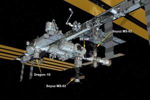 """""""SpaceX"""" krovininė kapsulė susijungė su TKS para vėliau, nei planuota"""