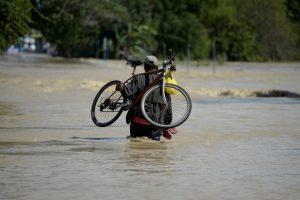 Filipinuose per audras žuvusių žmonių padaugėjo iki 45