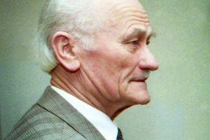 Mirė buvęs politinis kalinys ir krašto apsaugos viceministras E. Simanaitis