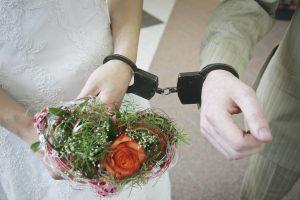 Landa į Lietuvą – fiktyvi santuoka