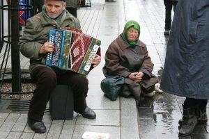 Didėjančios pensijos neišsklaido nerimo dėl socialinės atskirties