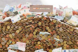 Lietuva tarptautinėse rinkose skolinasi 1 mlrd. eurų