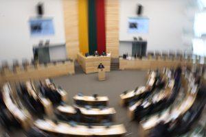 Apklausa: į Seimą patektų keturios partijos, kitos turi stengtis