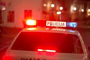 Girtas vairuotojas tikėjosi, kad jį išgelbės 10 eurų kyšis