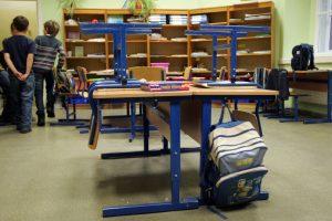 Kauno mokykloje – neeilinis incidentas: nuo antroko nukentėjo mokytojai ir jų turtas