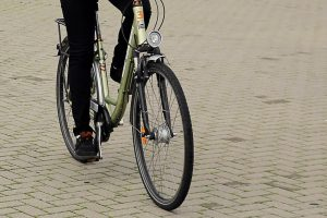Girto dviratininko kelionė baigėsi ligoninėje