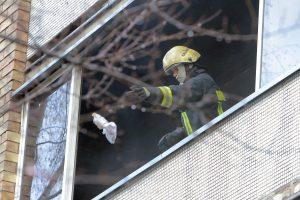 Ugniagesiams teko dažniau skubėti į pagalbą žmonėms buityje