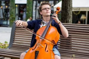 Apie violončelę, J. S. Bachą ir šokoladą