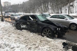 Kaune susidūrė penki automobiliai (jauna vairuotoja nesuvaldė BMW?)