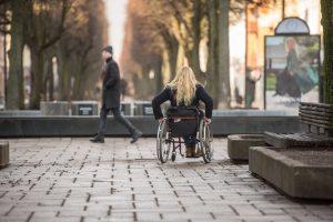 Verslininkai neįgaliųjų Laisvės alėjoje nepamirš?