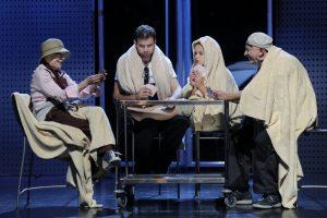 Spektaklyje – painūs porų santykiai