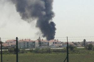 """Prie """"Lidl"""" parduotuvės Portugalijoje nukrito lėktuvas, yra aukų"""