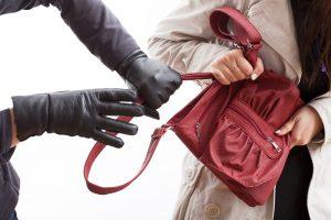 Uostamiestyje – įžūlus apiplėšimas, policija ieško įtariamojo