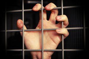 Anykštėnas dukrą ir žmoną įkalino rūsyje