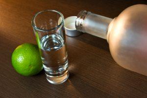 Per Velykas mirė alkoholio surogatu apsinuodijęs vyras