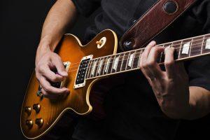 Gitaros virtuozas A. Globys kviečia į flamenko vakarą