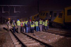 Pietų Afrikoje per traukinių susidūrimą sužeista per 200 keleivių
