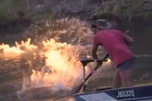 Padegė upę, kad įrodytų skalūnų dujų gavybos žalą