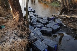 Upėje plūduriavo 45 tūkst. eurų vertės kontrabanda