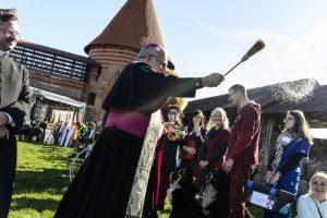 Kaune gyvūnus laimino Vatikano nuncijus