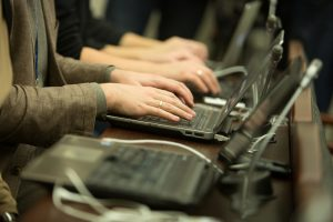 Prezidentūra: pataisos dėl registrų gali slėpti apynasrį žiniasklaidai