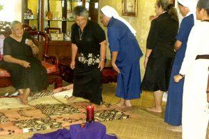 Tonga gedi savo karalienės motinos