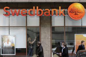 """""""Swedbank"""" – nauji kaltinimai: per banką esą išplauta 155 mln. eurų"""