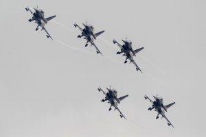 Kinijoje per aviacijos šventę sudužus lėktuvui žuvo keturi žmonės