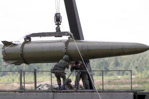 Rusijos kariuomenė netoli Baltijos šalių surengė karines pratybas