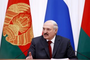 """Baltarusija tikisi ,,perkrauti"""" santykius su JAV"""