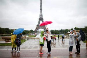 Ar doleriai ir juaniai atgaivins Europos turizmo rinką?