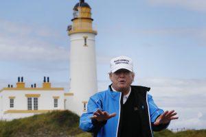 D. Trumpas 17 dienų atostogas pradeda nuo golfo klubo Naujajame Džersyje
