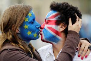 Kodėl britams sunku apsispręsti dėl narystės ES?
