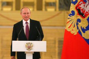 V. Putinas ėmėsi regionų vadovų perstumdymo