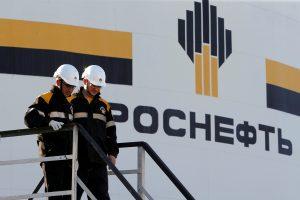 """Rusija pardavė beveik penktadalį """"Rosneft"""" akcijų"""
