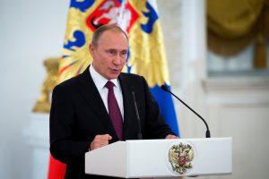 V. Putinas džiaugiasi triuškinančia pergale parlamento rinkimuose