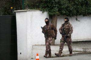 Stambulo ligoninėje kilo panika dėl nusižudyti mėginusio policininko
