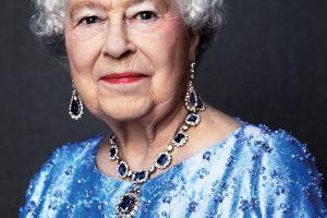 Karalienė Elizabeth II pasiekė naują rekordą: mini safyrinį jubiliejų