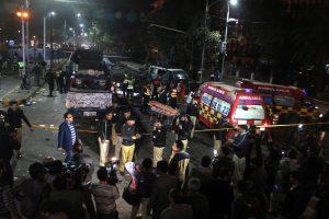 Pakistane per mitingą sprogus bombai žuvo mažiausiai 10 žmonių