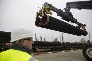 """""""Gazprom"""" pasirašė """"Nord Stream 2"""" projekto finansavimo sutartį"""