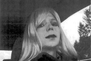 """""""WikiLeaks"""" šaltinis Ch. Manning išeis į laisvę kaip moteris"""