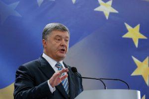 P. Porošenka: Rusija bandys paveikti Ukrainą kibernetinėmis atakomis
