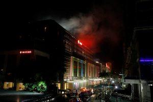 Filipinų sostinėje per užpuoliko sukeltą gaisrą dūmuose užtroško 36 žmonės