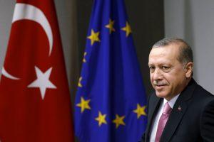 Turkija tvirtina atitinkanti visus kriterijus dėl bevizio režimo su ES