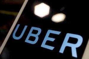"""""""Uber"""" susitarė su savaeigio automobilio mirtinai sužalotos moters šeima"""