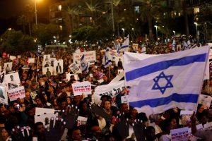 Izraelis afrikiečius migrantus planuoja siųsti į Vakarus