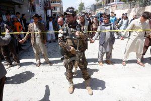 Afganistano sostinėje per mirtininko ataką žuvo mažiausiai 57 žmonės