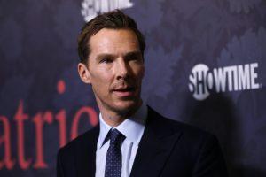 Aktorius B. Cumberbatchas apgynė žmogų nuo chuliganų gaujos
