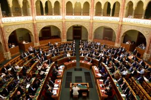 Vengrijoje už pagalbą prieglobsčio prašytojams grės kalėjimas