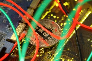Kriptovaliutų kasimas – vis dar pelninga, bet rizikinga veikla